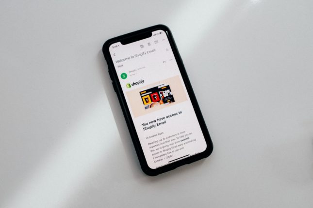 Shopify : Pay Shop s'étend à Facebook et Instagram